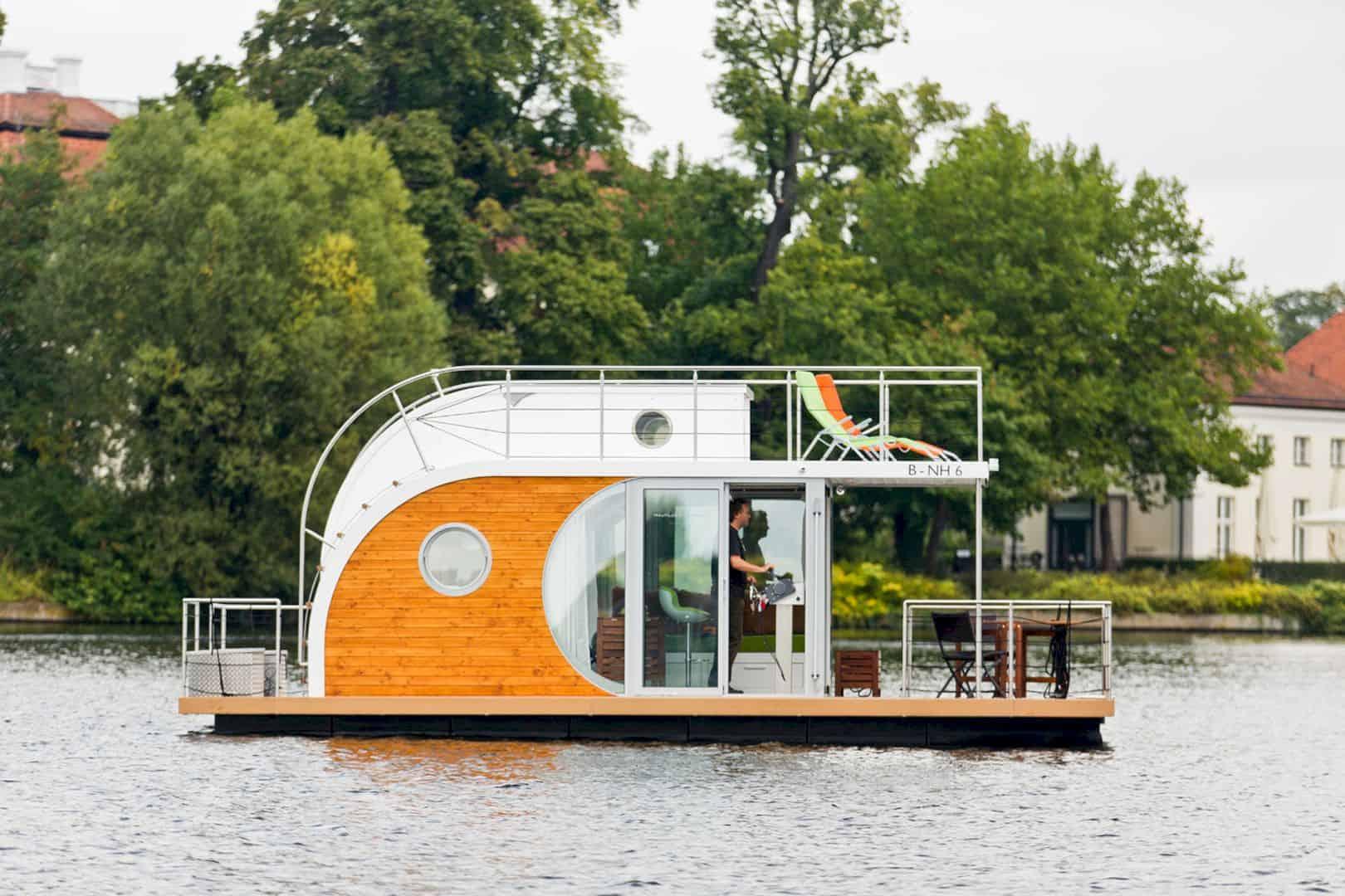 Nautilus Houseboats 7