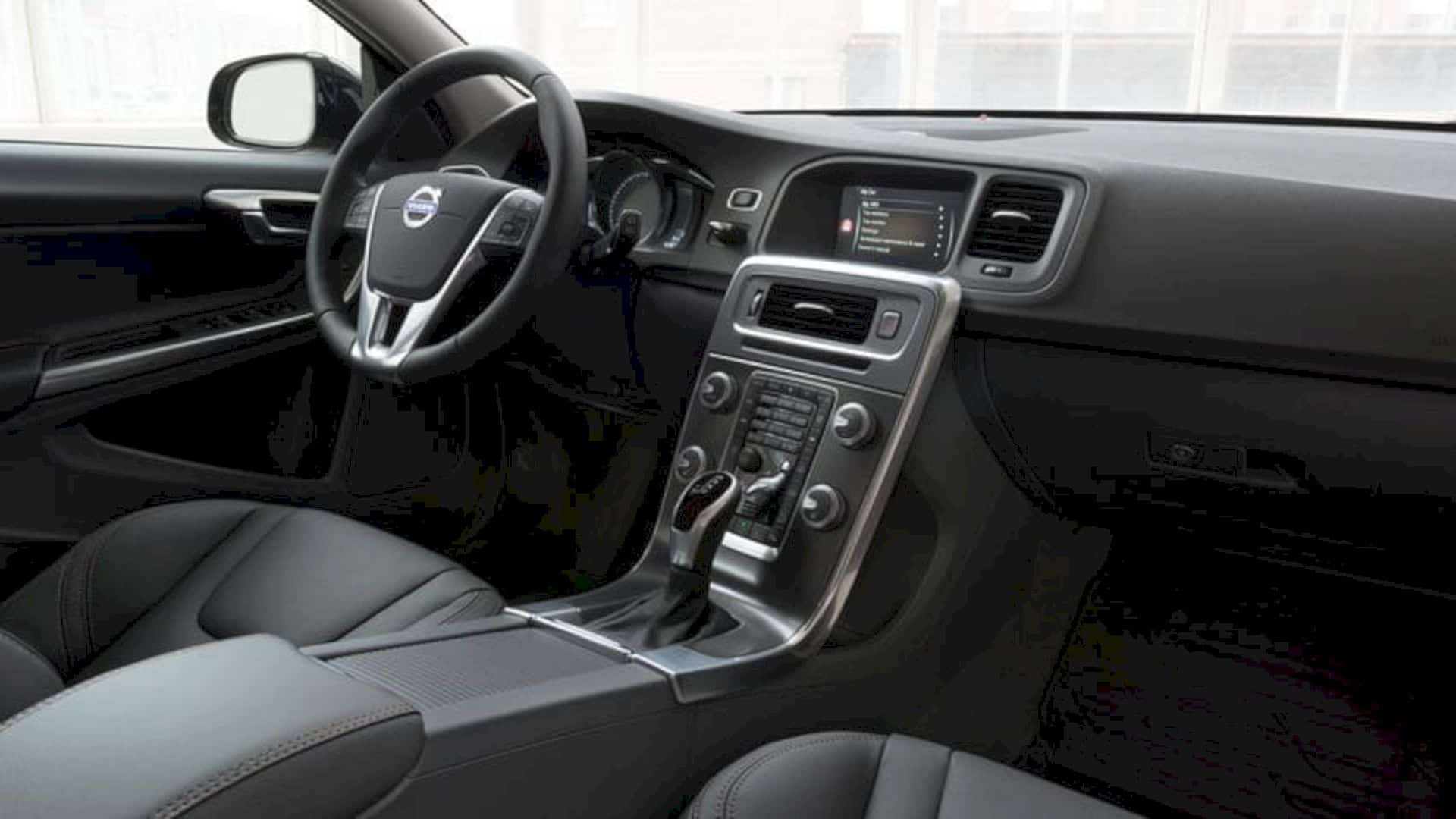 2018 Volvo V60 2