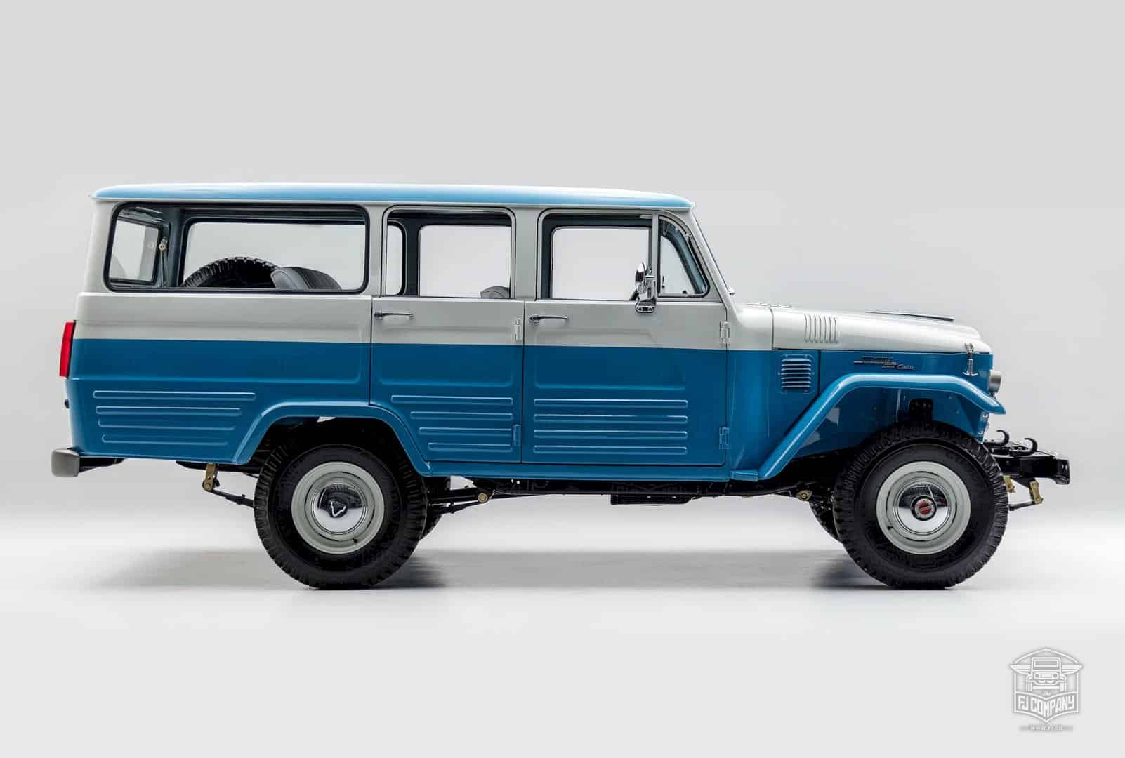 1967 Toyota Land Cruiser FJ45LV Capri Blue: The Dignity of a Legend