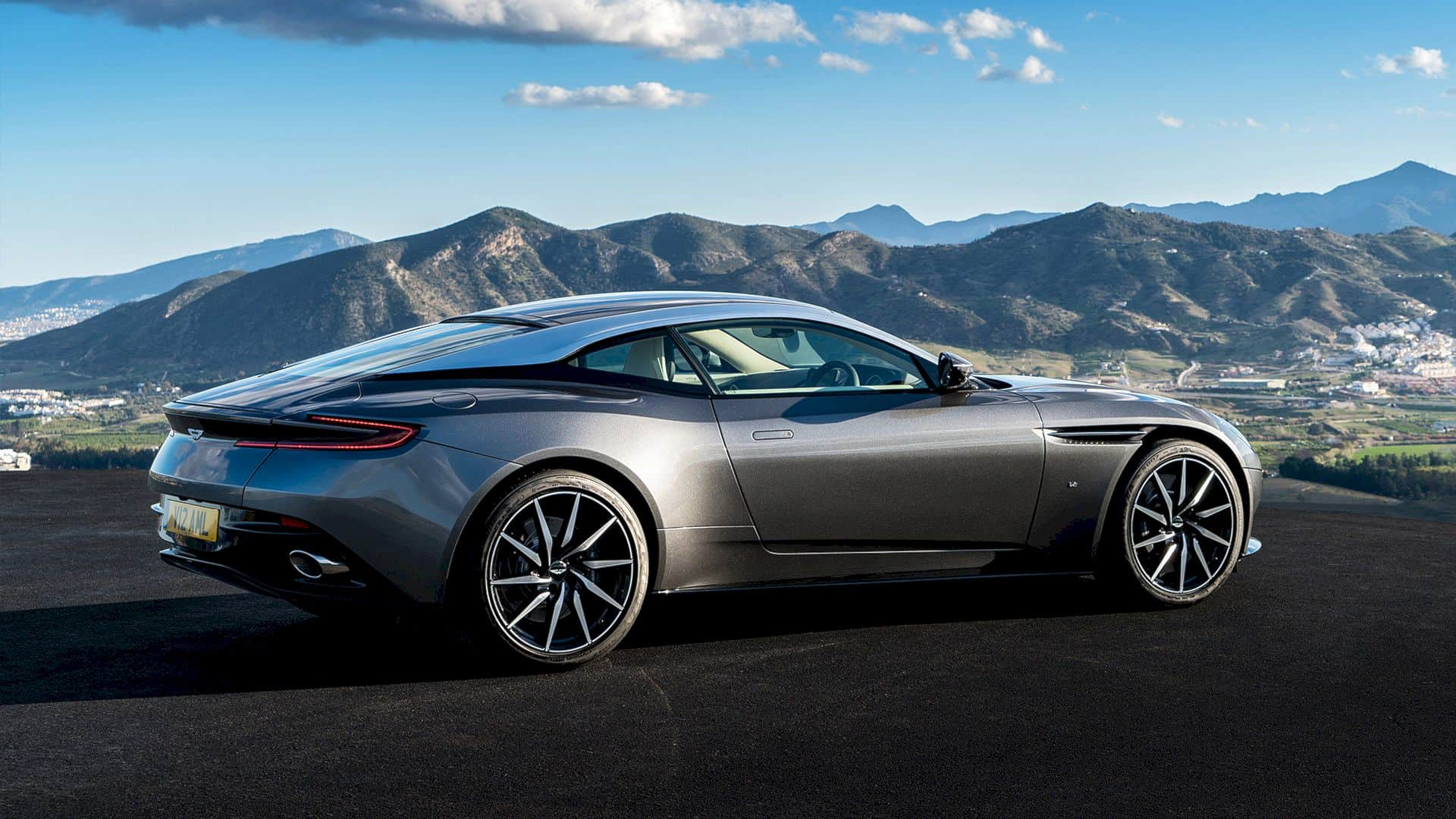 Aston Martin DB 11 – Shape, Space & Sound