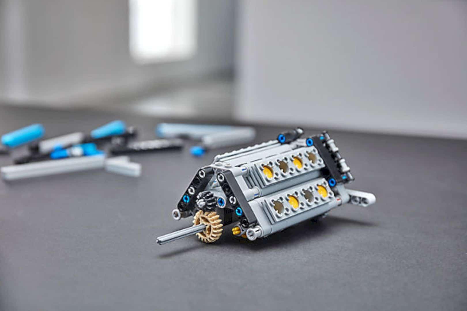 Lego® Technic™ 42083 Bugatti Chiron 3