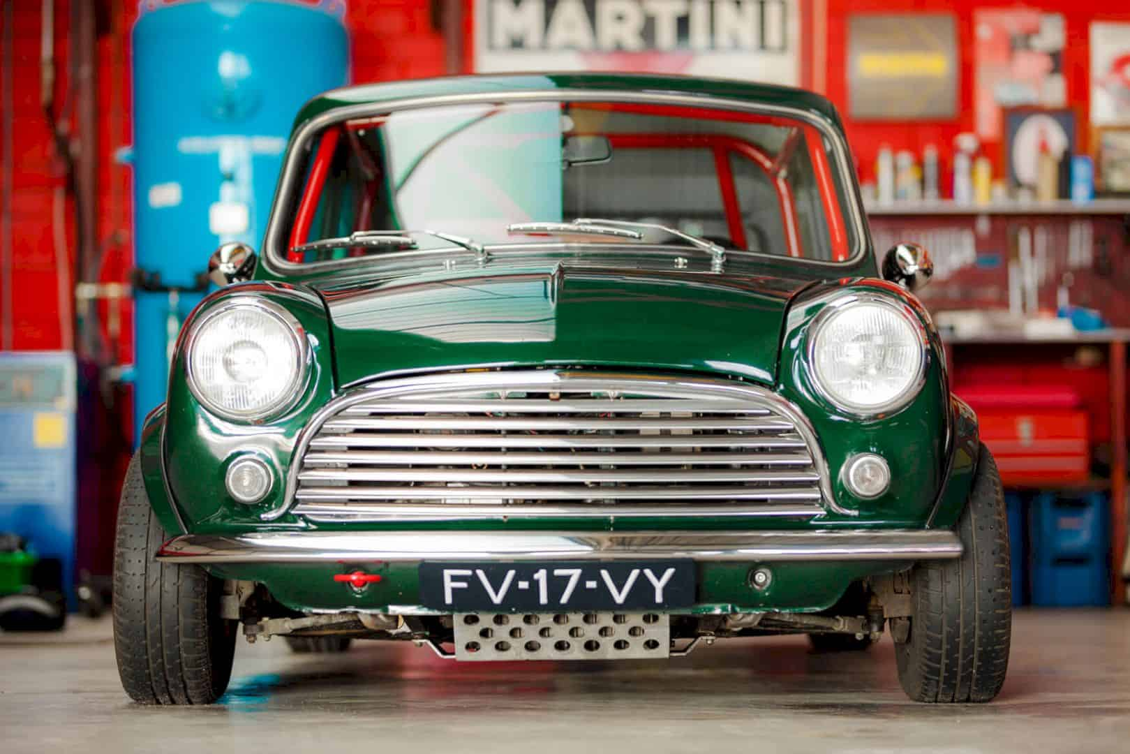 Mini Classic Cooper by IMG.ST: Solid & Great Specced Car