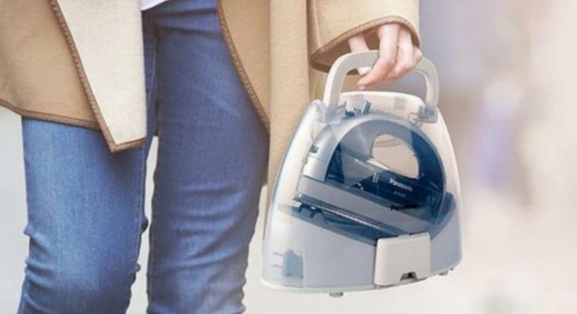 Cordless 360° Freestyle™ Steam Dry Iron 1