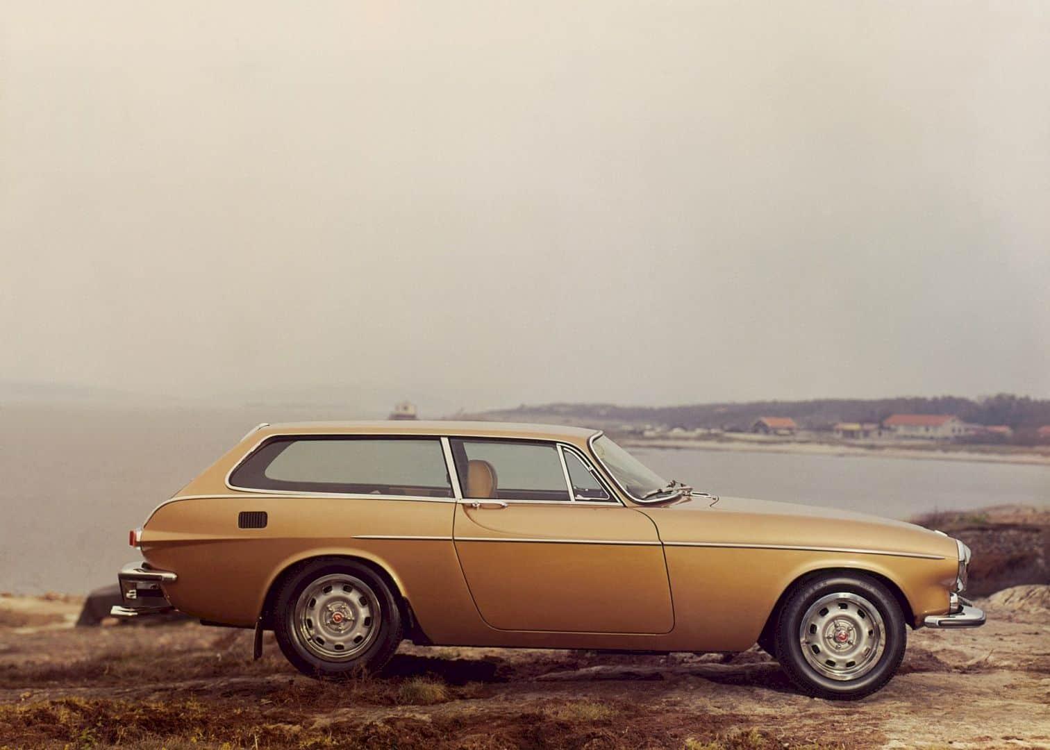 The Volvo 1800es 2