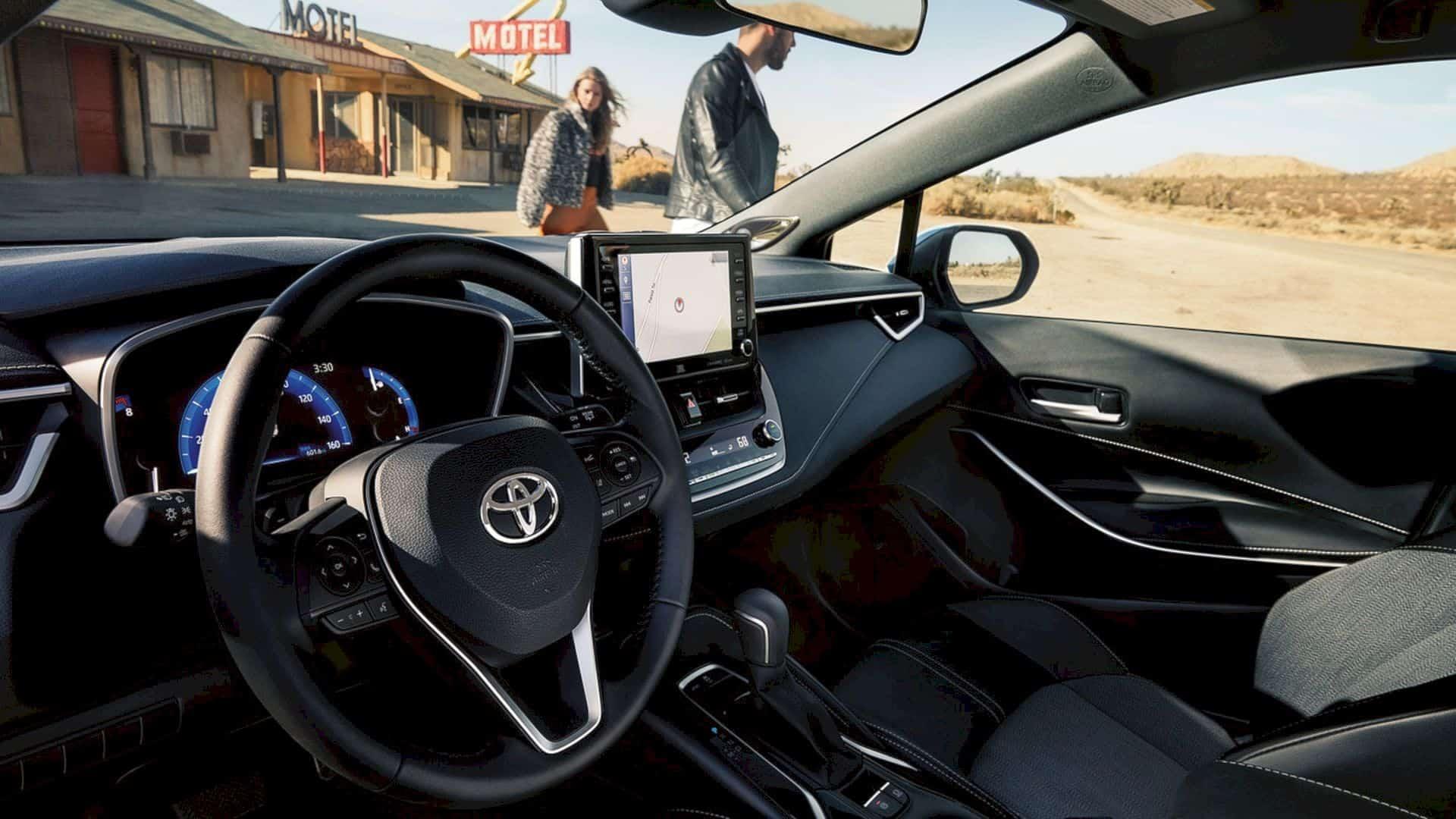 2019 Toyota Corolla Hatchback 2