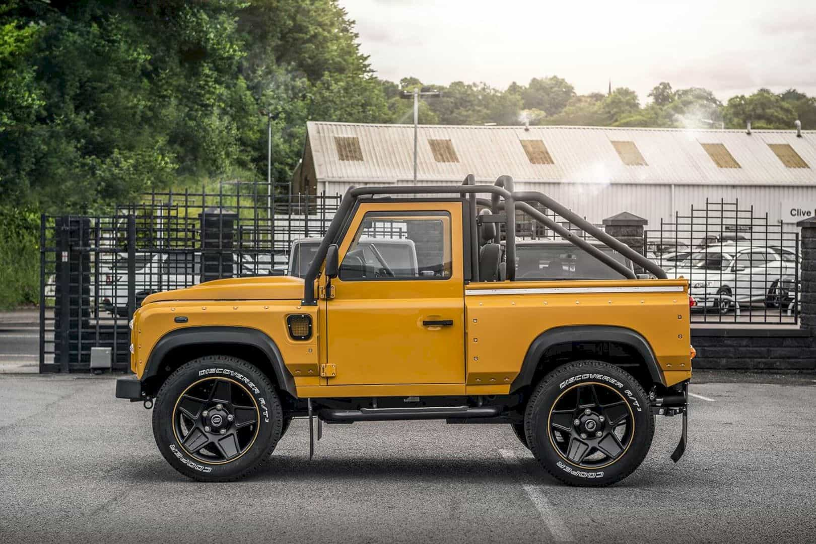 Defender 2 2 Tdci Xs 90 Chelsea Wide Track 9