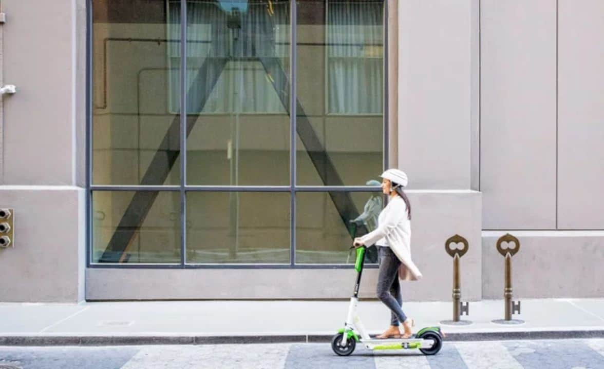 Lime Gen 3 Electric Scooter 4