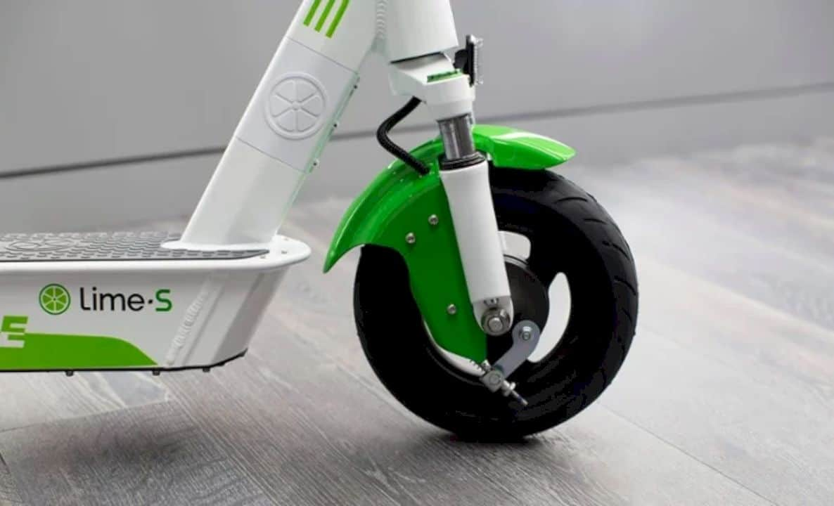 Lime Gen 3 Electric Scooter 6