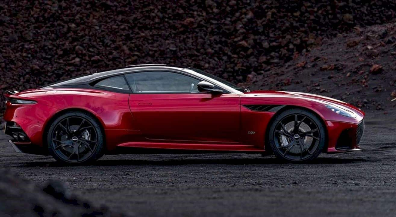 Aston Martin DBS Superleggera: Its beauty leaves no room for doubt. Its power cannot be reasoned with