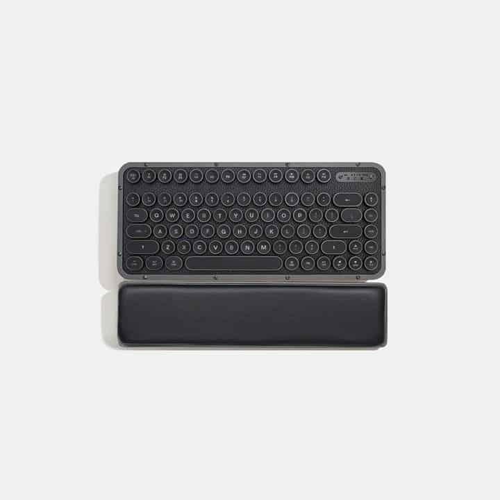 Azio Retro Compact Keyboard 9