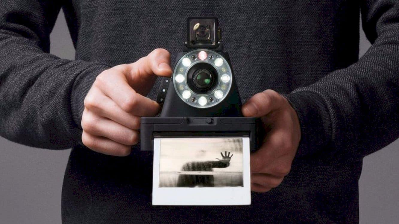 Impossible I-1 Camera: Analog, Meet Digital.