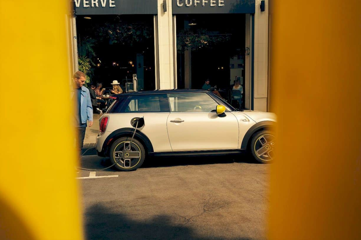 The Mini Electric Cooper Se 3