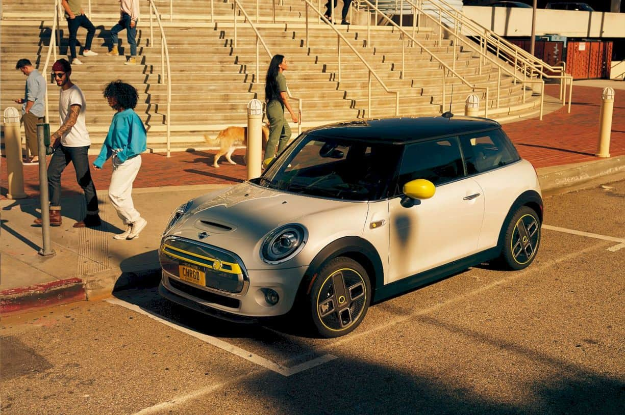 The Mini Electric Cooper Se 5