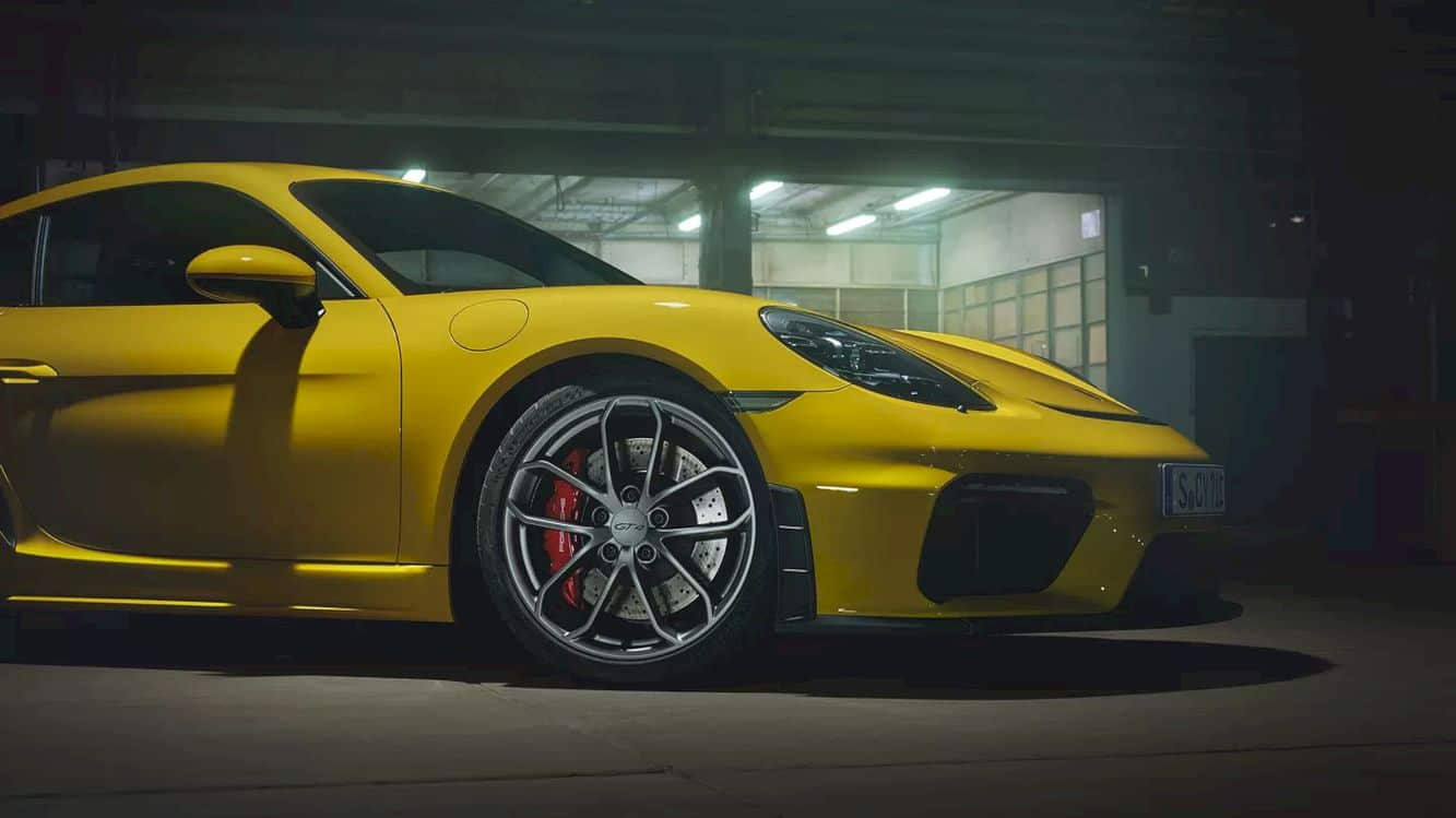 The New 718 Cayman Gt4 19