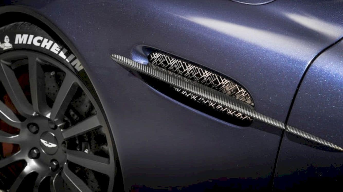 Aston Martin Vanquish 25 11