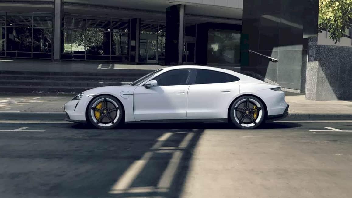 Porsche Taycan 12