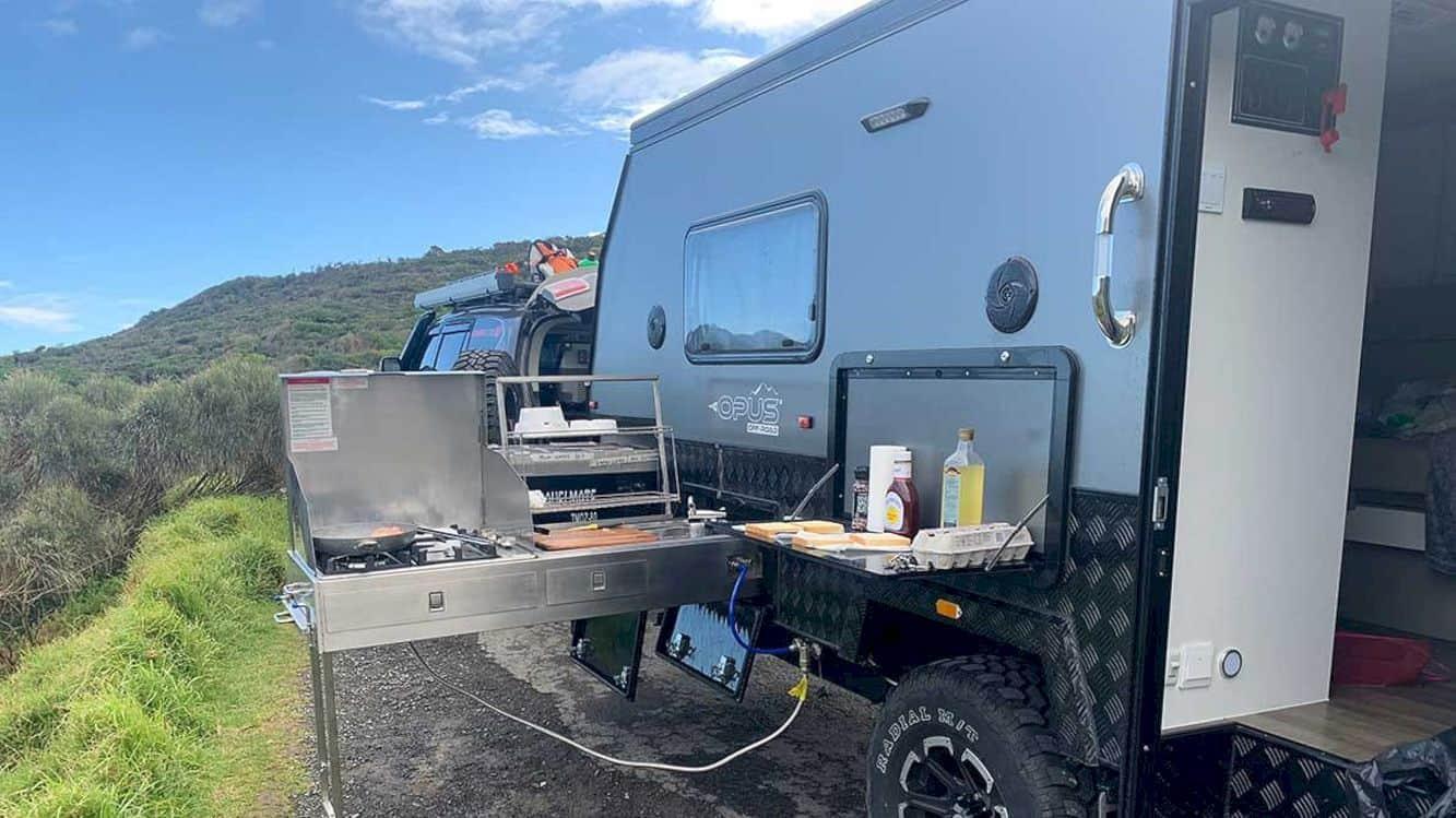 Opus Op15 Hybrid Caravan 7
