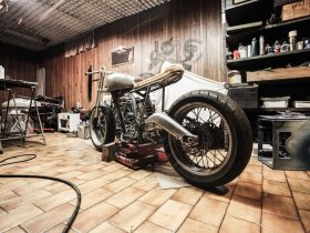 Cafe Racer Frame Garage Making 1599