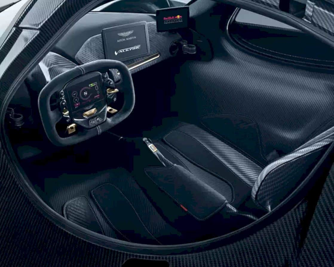 Aston Martin Valkyrie 8