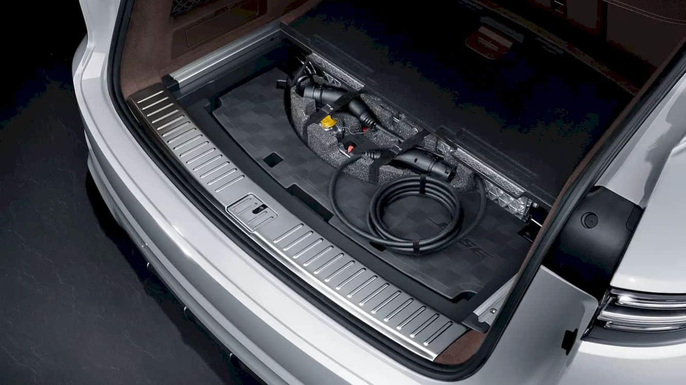Porsche Cayenne E Hybrid 8