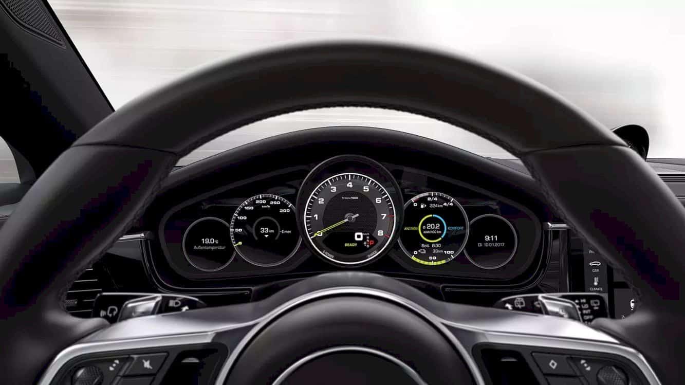 Porsche Panamera 4 E Hybrid 10
