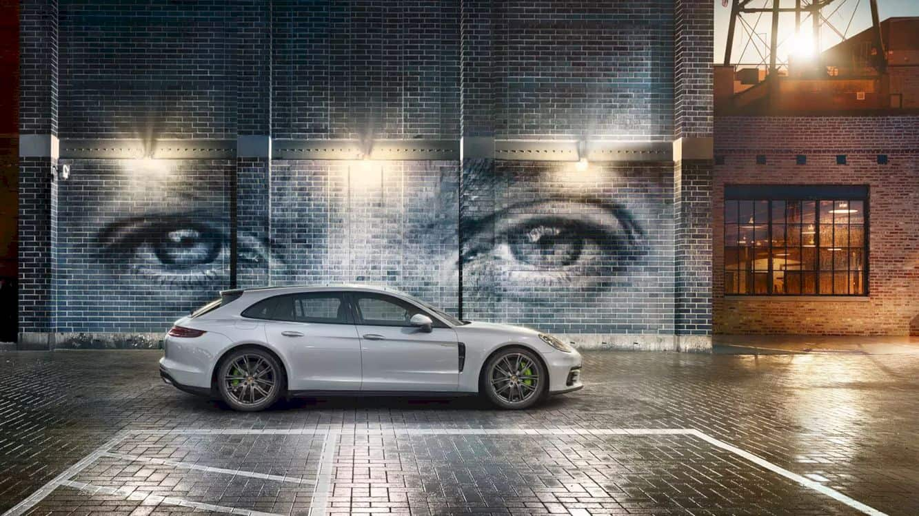 Porsche Panamera 4 E Hybrid 12