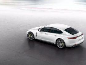 Porsche Panamera 4 E Hybrid 6