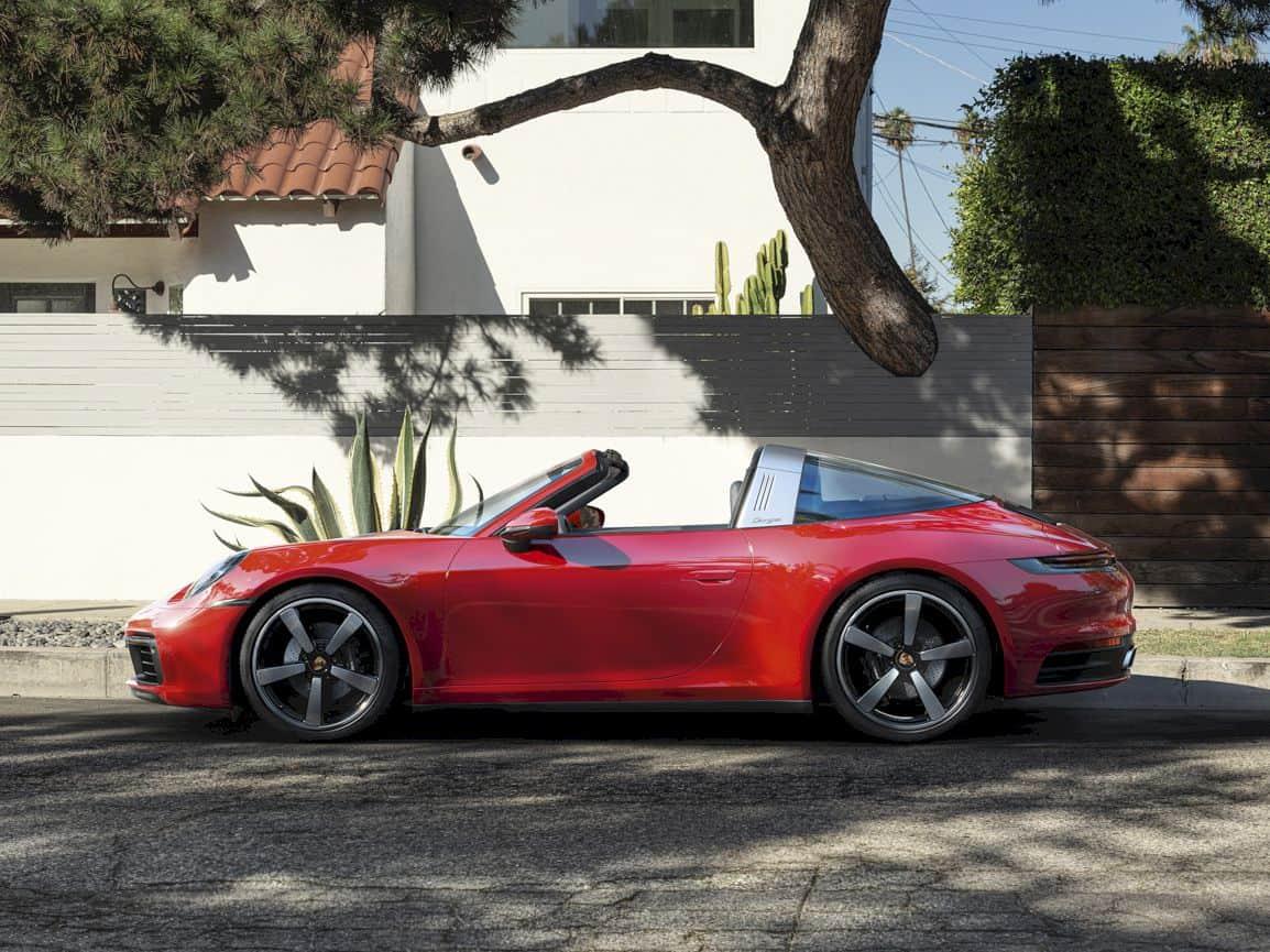 2021 Porsche 911 Targa 11
