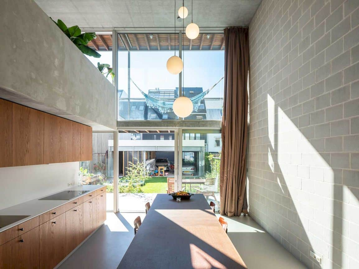 3 Generation House By Beta Office 6
