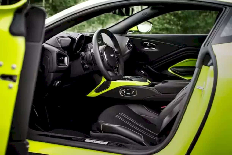 Aston Martin Vantage 14