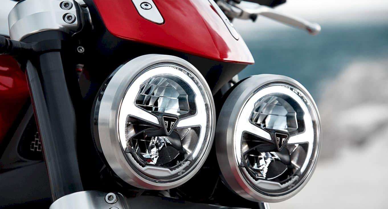 Triumph Rocket 3 8