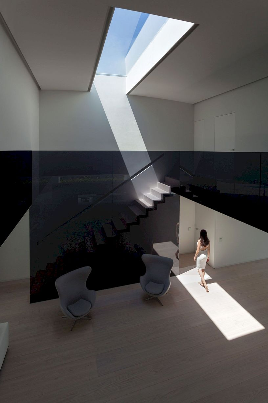 Balint House By Fran Silvestre Arquitectos 3