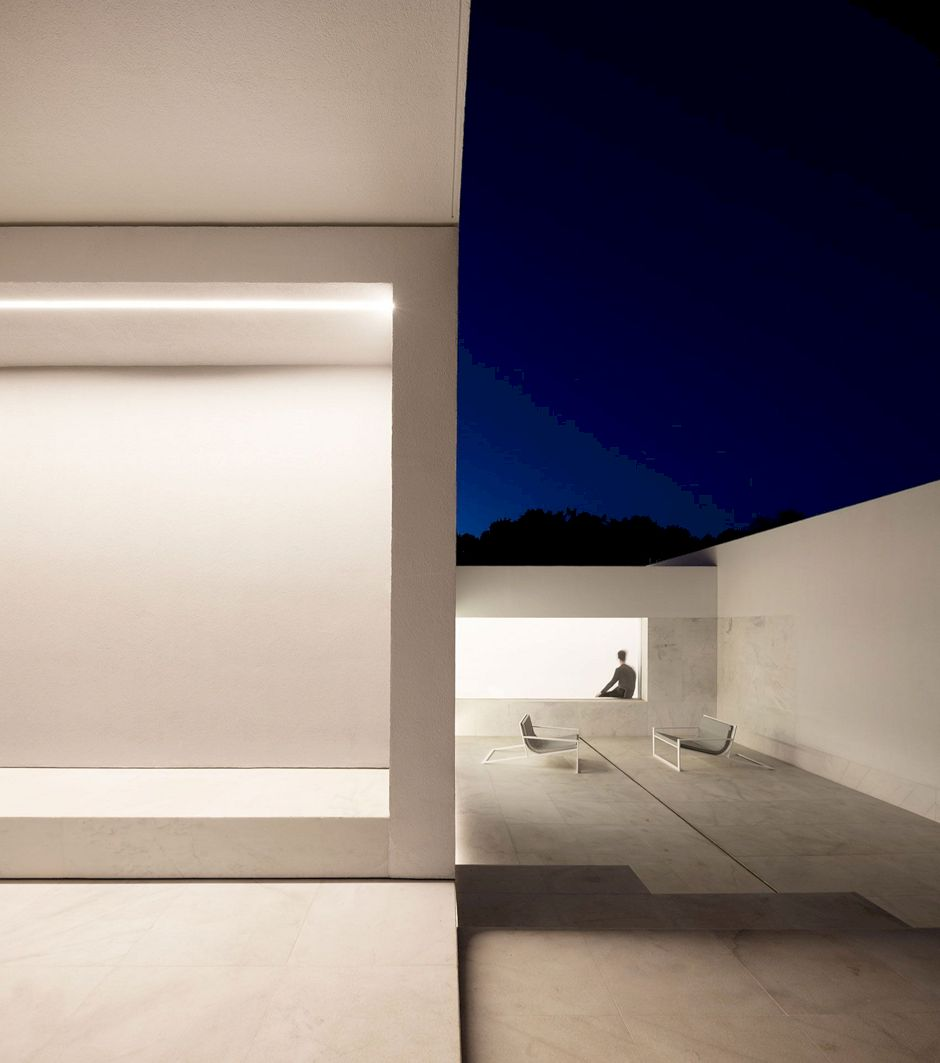 House Between The Pine Forest By Fran Silvestre Arquitectos 5