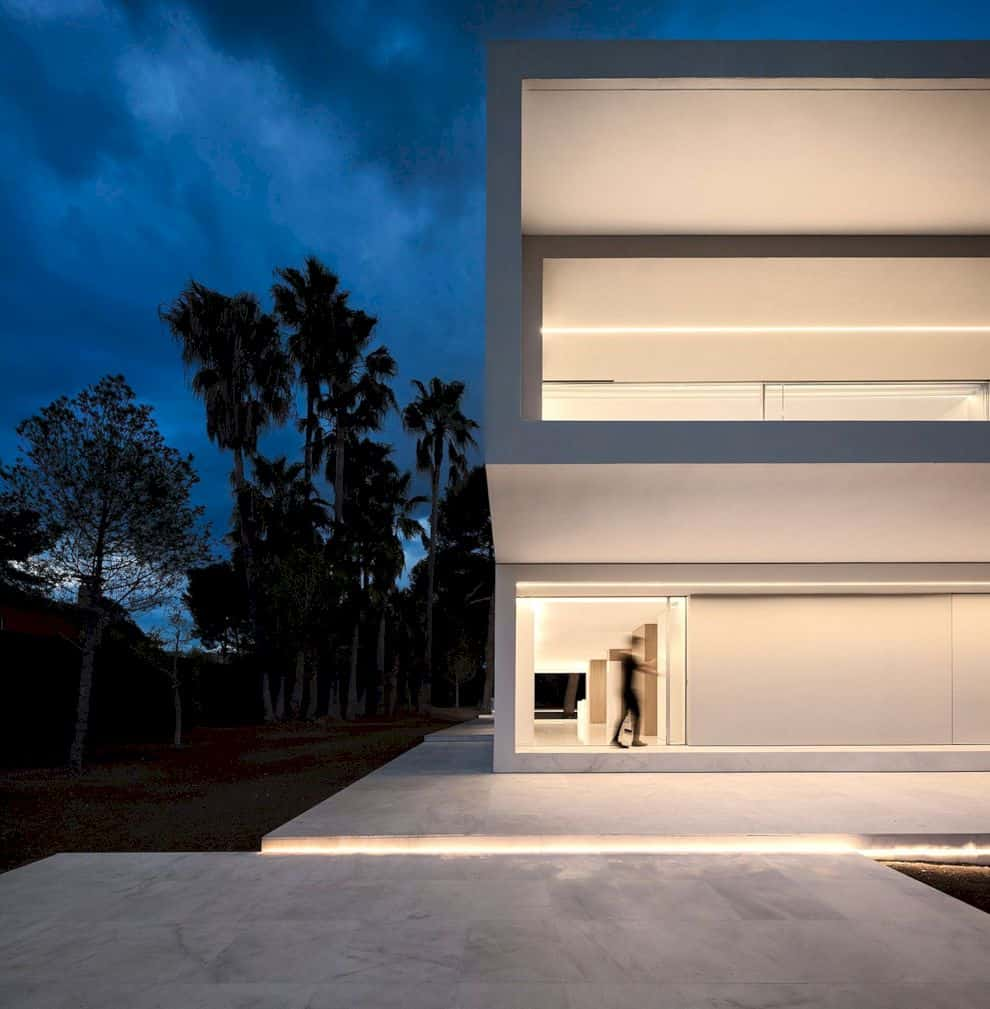 House Between The Pine Forest By Fran Silvestre Arquitectos 7