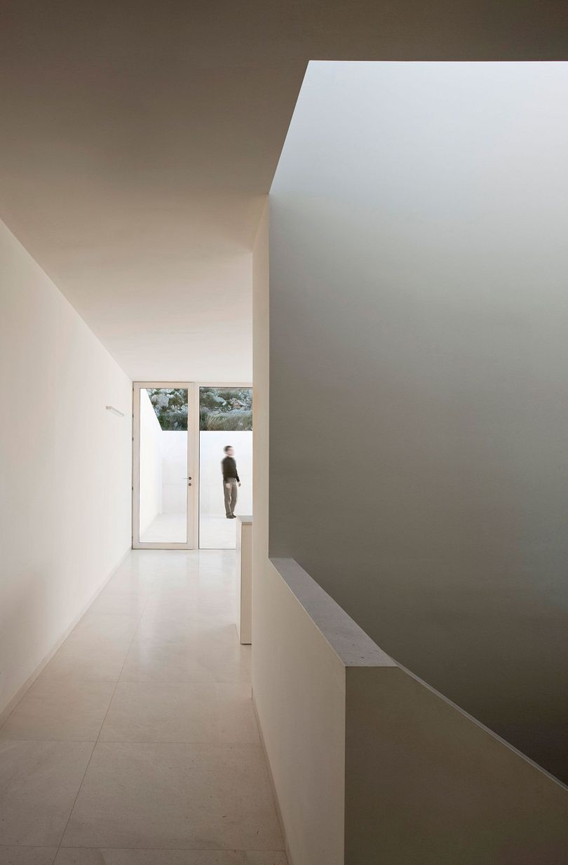 House On Mountainside Overlooked By Castle By Fran Silvestre Arquitectos 2