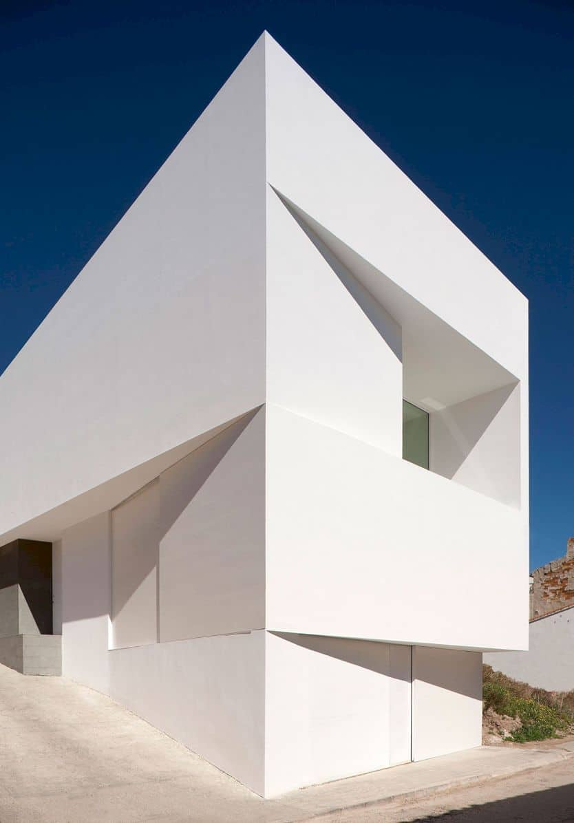House On Mountainside Overlooked By Castle By Fran Silvestre Arquitectos 9