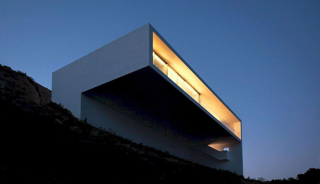 House On The Cliff By Fran Silvestre Arquitectos 4