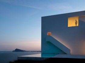 House On The Cliff By Fran Silvestre Arquitectos 6