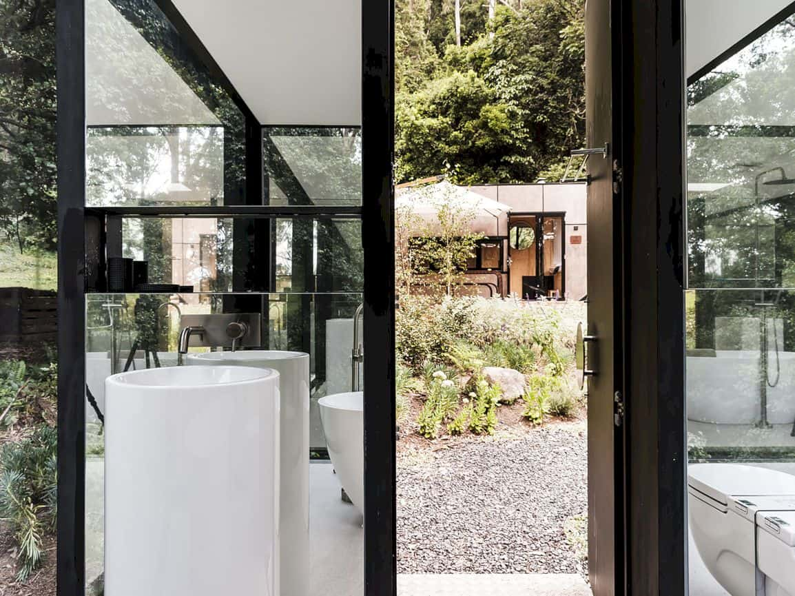 Kangaroo Valley Outhouse By Madeleine Blanchfield Architects 1