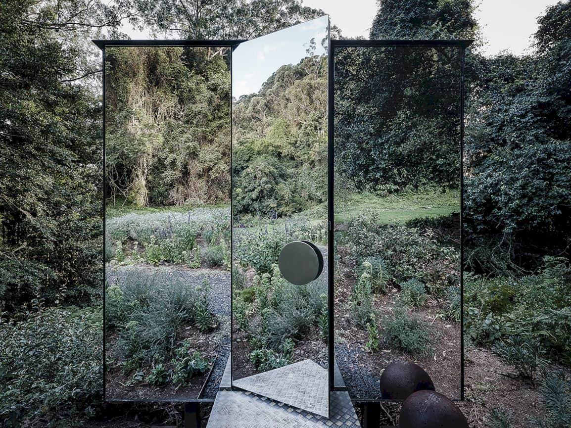 Kangaroo Valley Outhouse By Madeleine Blanchfield Architects 3