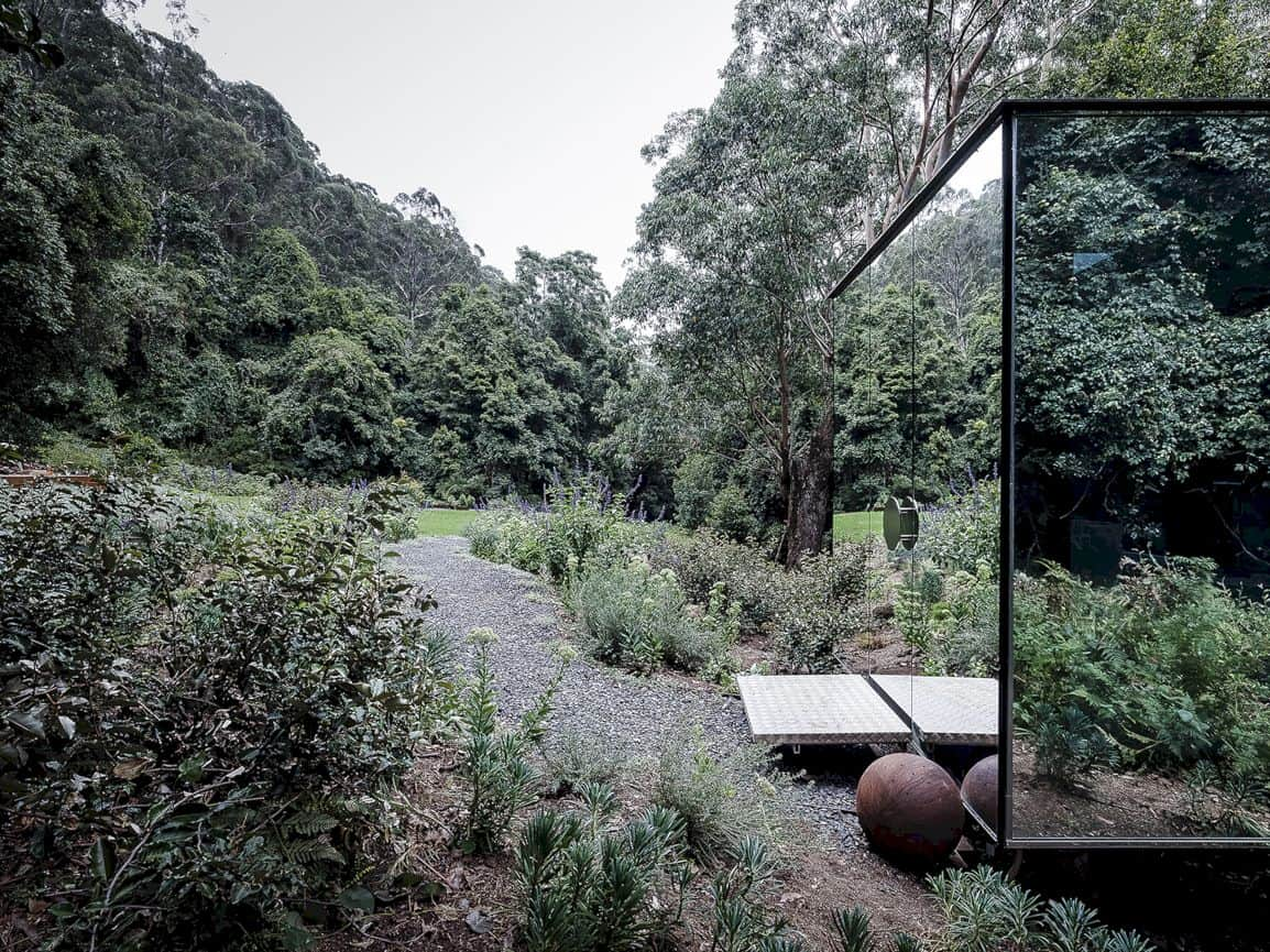 Kangaroo Valley Outhouse By Madeleine Blanchfield Architects 6