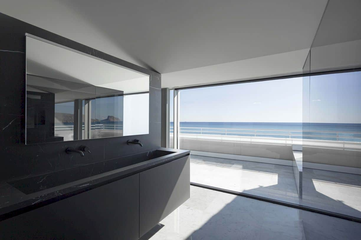 Penthouse In Costa Blanca By Fran Silvestre Arquitectos 3