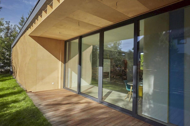 Razor House By 81 Waw Pl Studio 6