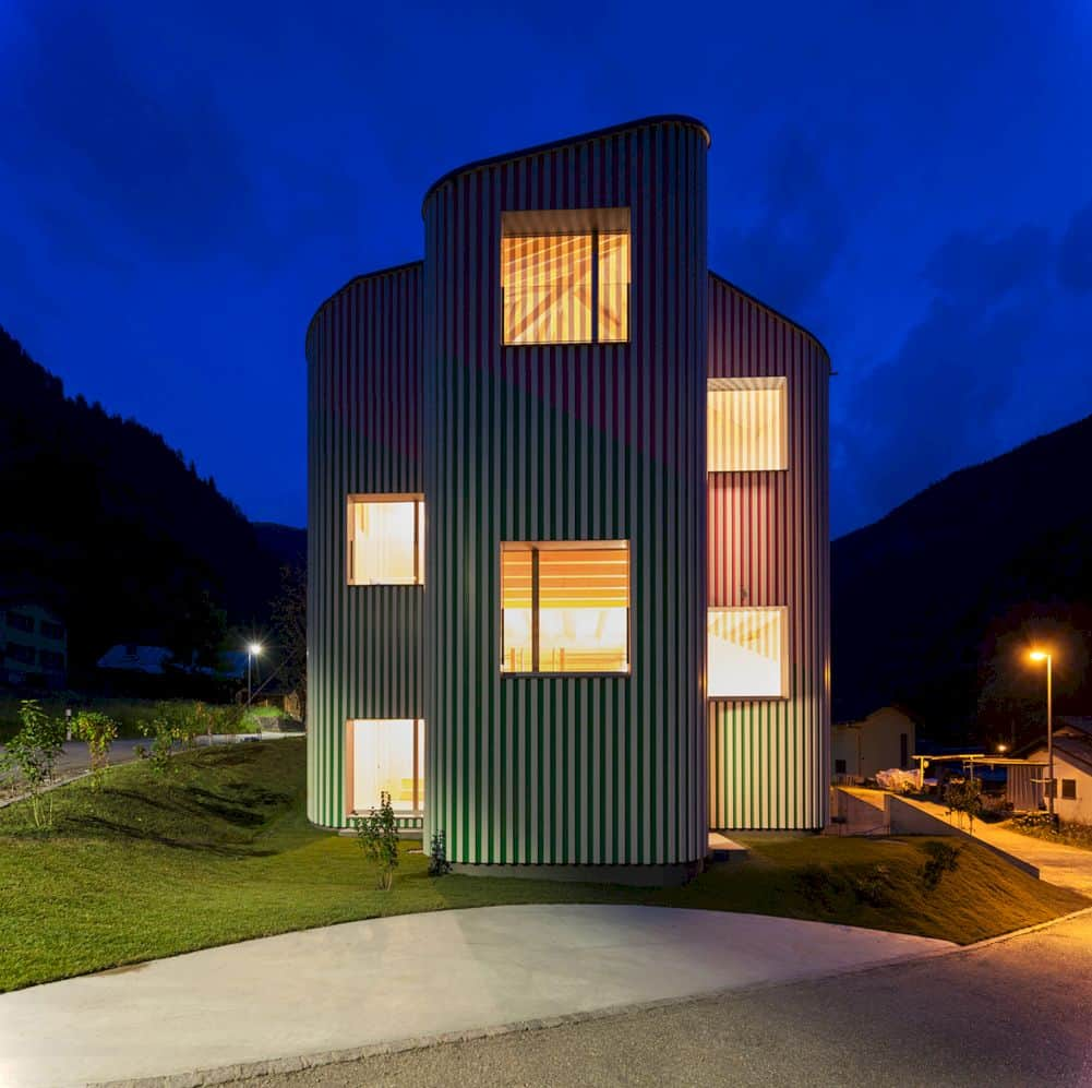 Swiss House Xxxii Rossa By Davide Macullo Architects 5