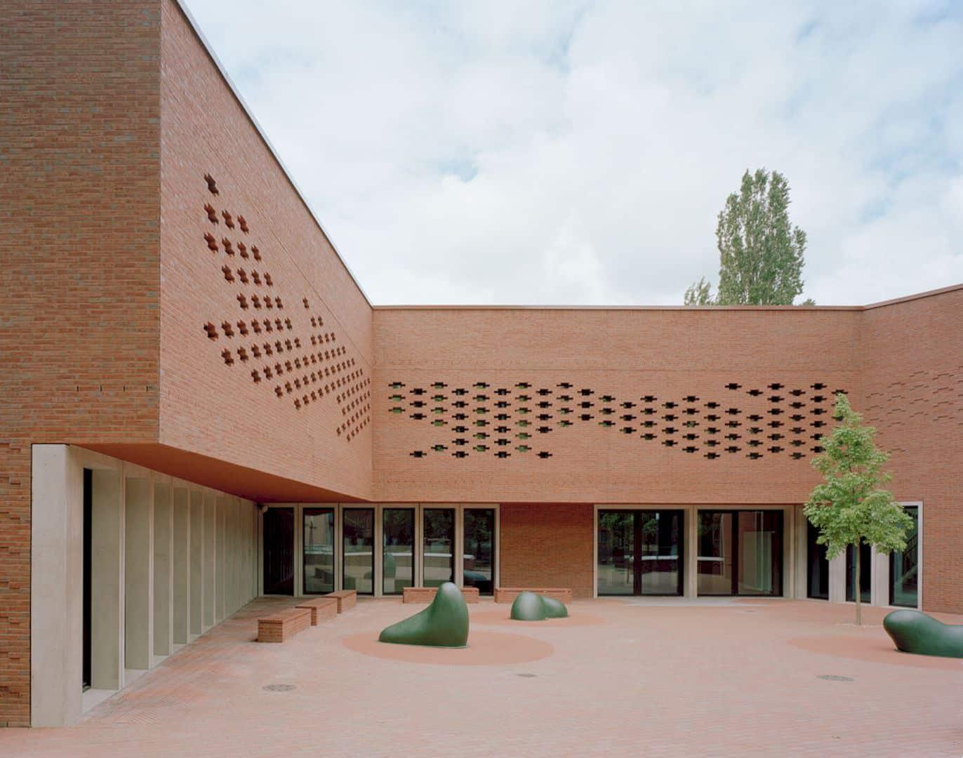 Ludwig Hoffmann Primary School By AFF Architekten 8