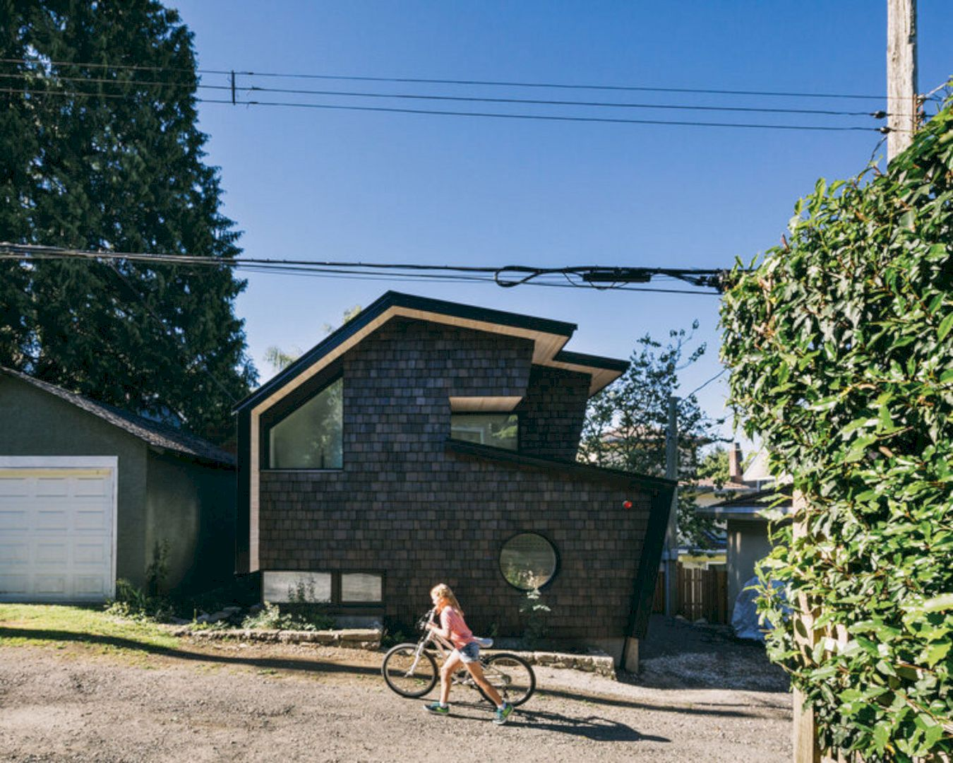 Point Grey Laneway By Campos Studio 8