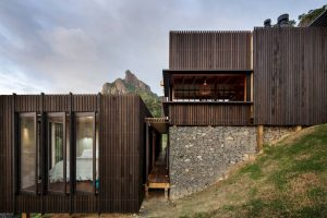 Castle Rock House By Herbst Architects 11