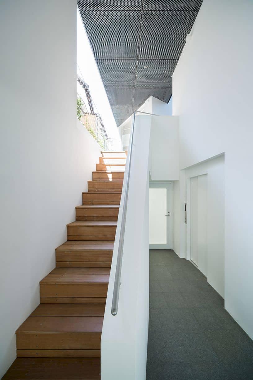 Kitasenzoku Apartment By Tomoyuki Kurokawa Architects 5