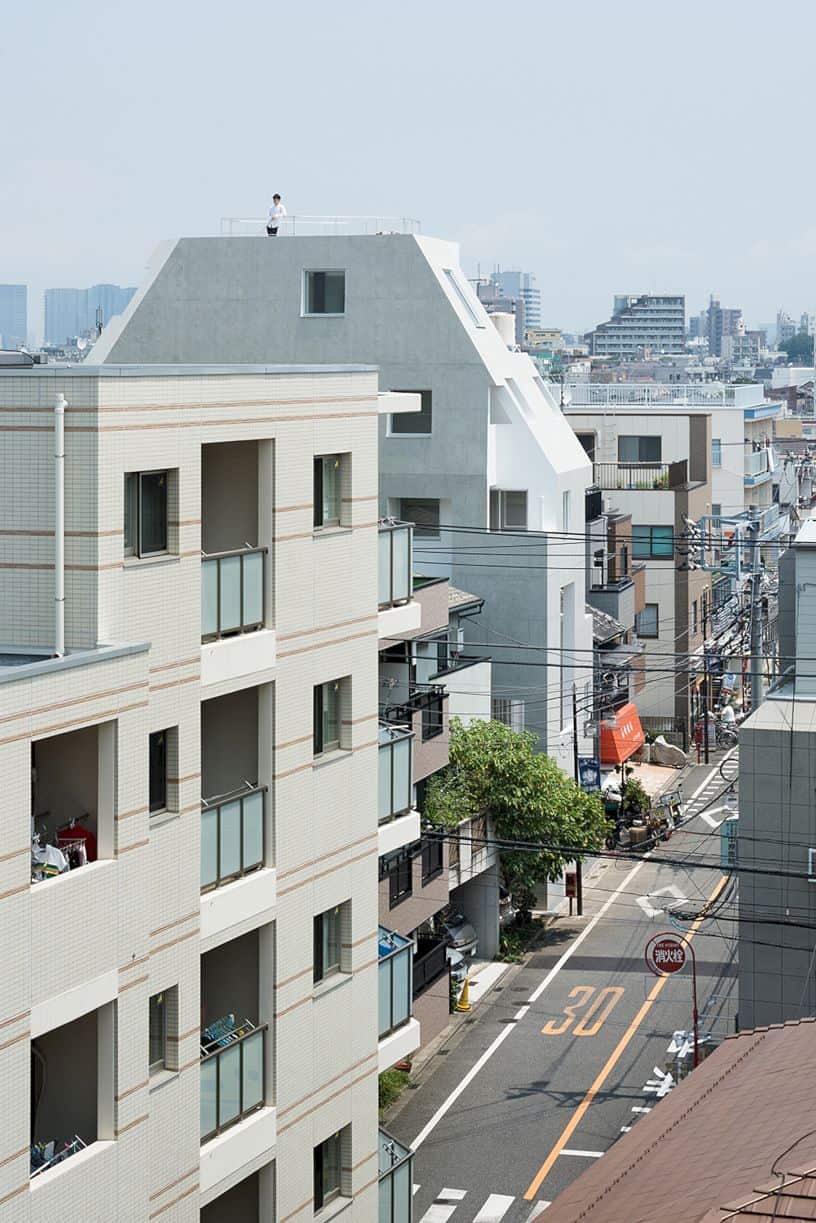 Kitasenzoku Apartment By Tomoyuki Kurokawa Architects 7