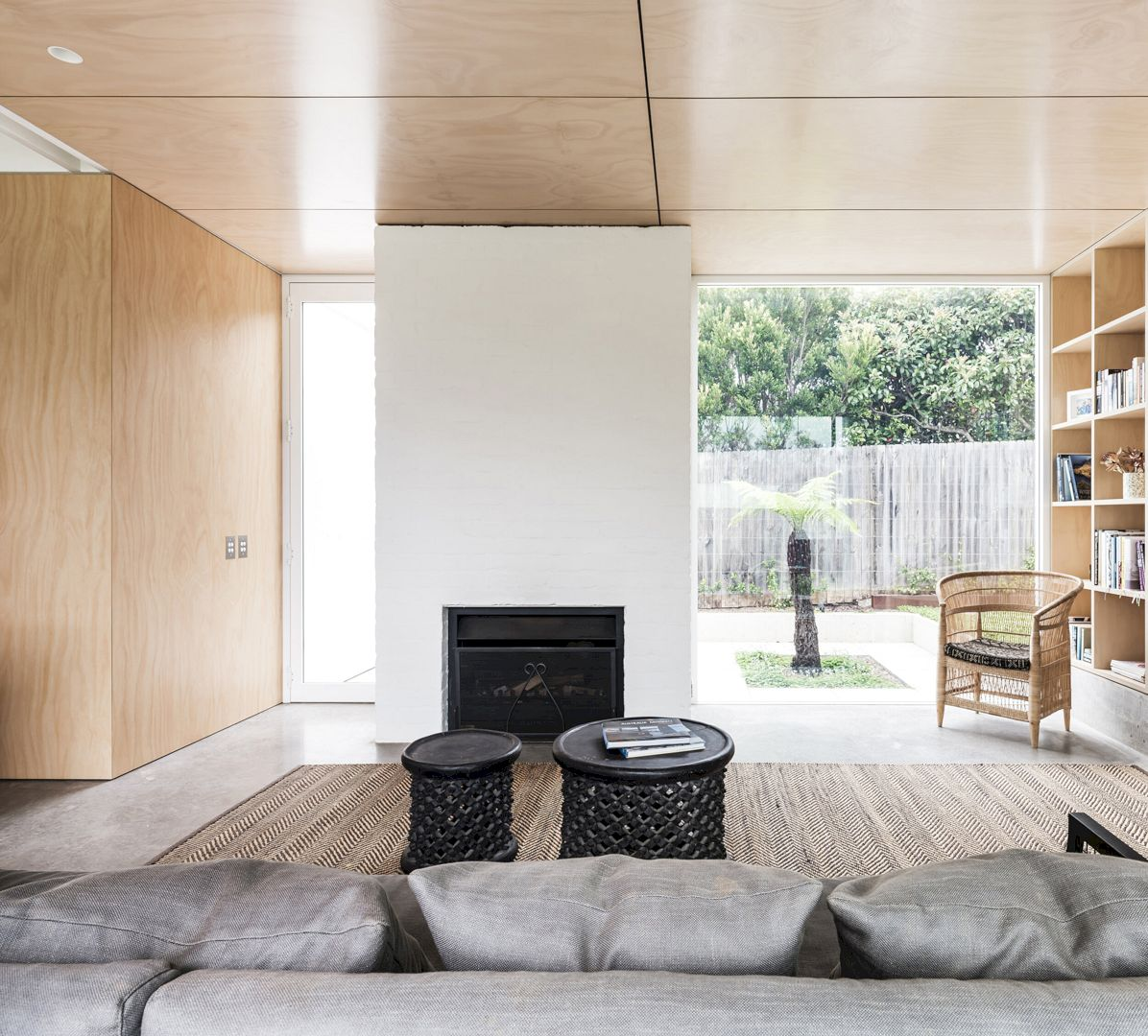 Bendalong Beach House By Madeleine Blanchfield Architects 10